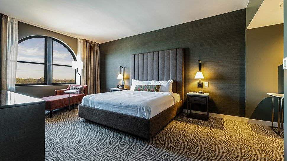 Presidential Suite at Hotel VIN, Autograph Collection,Grapevine